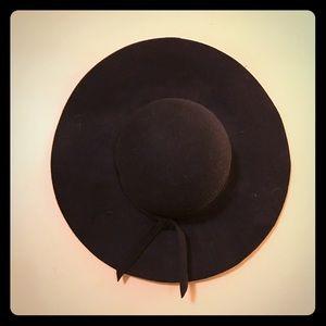 Basic black floppy hat